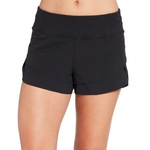 Calia Carrie Underwood Anywhere Petal Hem Shorts